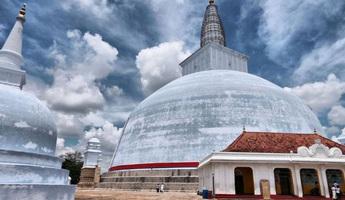 """Bí ẩn chưa được giải đáp về """"Cánh cổng cổ xưa bước vào vũ trụ"""" ở Sri Lanka"""