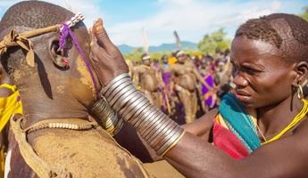 Độc đáo cách chọn bạn đời của phụ nữ bộ lạc Mekan