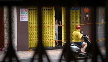 Nhịp sống trầm lắng của Sài Gòn nhìn qua khung cửa mùa giãn cách
