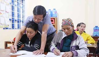 Mang con chữ đến với phụ nữ vùng sâu Krông Pa
