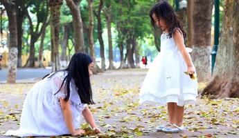 Mùa lá rụng nhớ một thời tuổi thơ trong trẻo