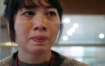 """Người mẹ có con nguy kịch trong BV Bạch Mai: """"My ơi, con có nghe mẹ nói không?"""""""