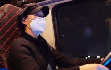 Nữ tài xế xe tải chạy gần 1.000km thâu đêm chuyển vật tư y tế cho tâm dịch Vũ Hán