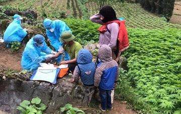 Trào nước mắt hình ảnh cán bộ y tế Hà Giang lên xã vùng biên dập dịch COVID-19