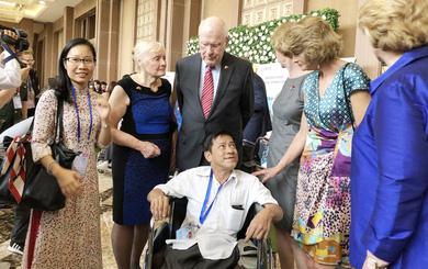 Quan hệ Việt-Mỹ: Niềm tin vun đắp qua từng thế hệ