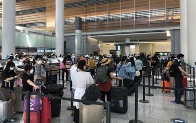 Đưa công dân Việt từ Hoa Kỳ về nước, 1 hành khách cao tuổi đột tử