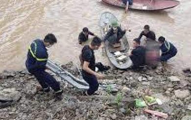 Bắc Giang: Phát hiện thi thể 3 mẹ con buộc chặt vào nhau nổi trên sông