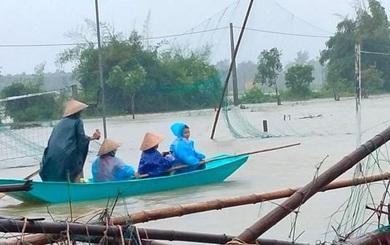 Hà Tĩnh: Nhiều hộ dân phải di dời khẩn cấp do mưa lớn, hồ chứa xả tràn
