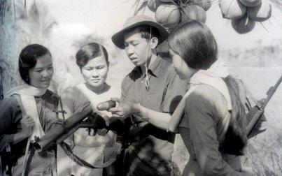 Bảo tàng Phụ nữ Việt Nam tiếp nhận 200 phim âm bản của phóng viên chiến trường Đỗ Kết