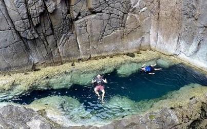 """Phát hiện thêm một """"bể bơi tự nhiên"""" ở Việt Nam, đẹp không khác gì châu Âu"""