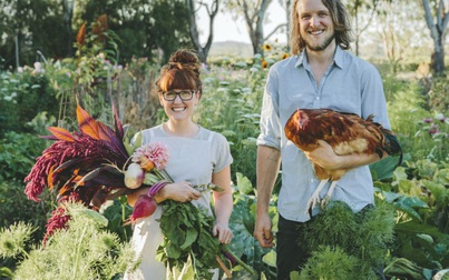 """Phong cách """"về quê nuôi cá, trồng rau"""" tạo cảm hứng cho lối sống và thời trang"""