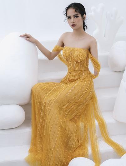 Người mẫu khuyết tay Hà Phương tự tin khoe dáng với đầm dạ hội