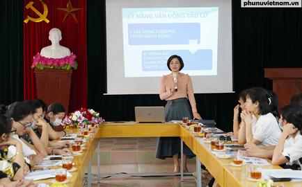 """Hội LHPN TP Hải Phòng: """"Tiếp sức"""" để nữ ứng cử viên tự tin hơn trong các buổi tiếp xúc cử tri"""