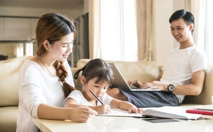 Xây dựng giá trị gia đình: Khi cha mẹ cũng cần phải học