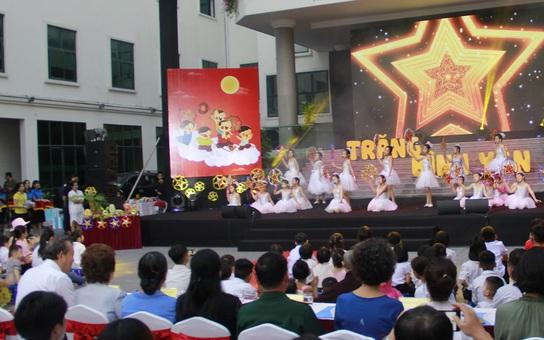 """""""Trăng Bình yên"""" cho 90 trẻ thiệt thòi vui Tết Trung thu"""