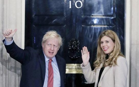 Thủ tướng Anh phải vào khu chăm sóc đặc biệt vì sức khỏe xấu đi