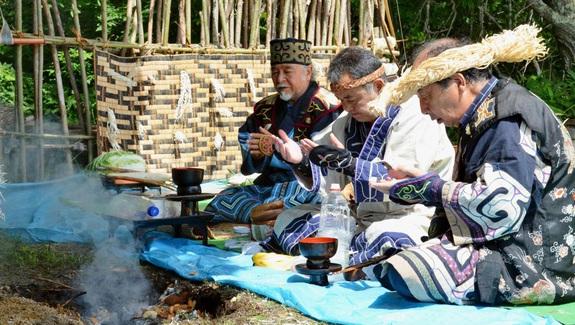 Người Ainu với nghi lễ hiến tế gấu độc nhất vô nhị