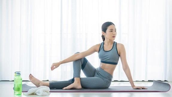 6 bài tập yoga hạn chế đau đầu hiệu quả