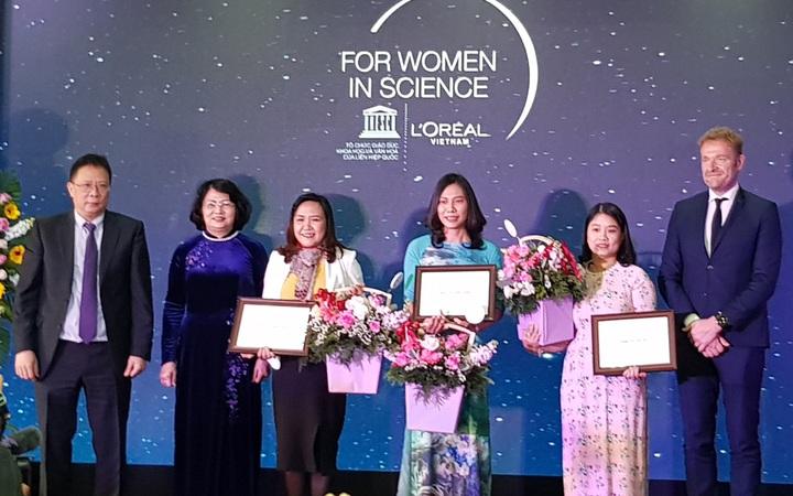 Vinh danh các nhà khoa học nữ xuất sắc trong 10 năm qua