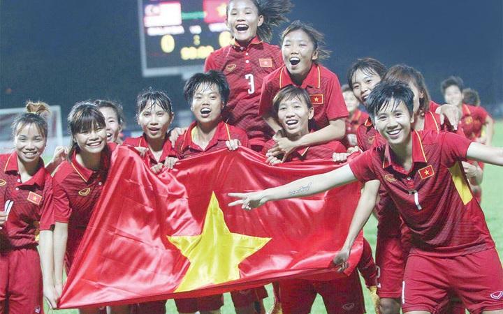 """Những """"cô gái vàng"""" của bóng đá nữ Đông Nam Á: Mong Tết để được về nhà nép vào lòng ba mẹ"""