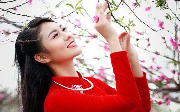 Dàn mỹ nhân Miss Photo diện áo dài đỏ rực đón Tết Canh Tý