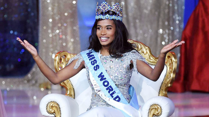 Với giọng hát ngọt ngào, tân Hoa hậu Thế giới tái hiện hành trình nhân ái của các thí sinh Miss World 2019