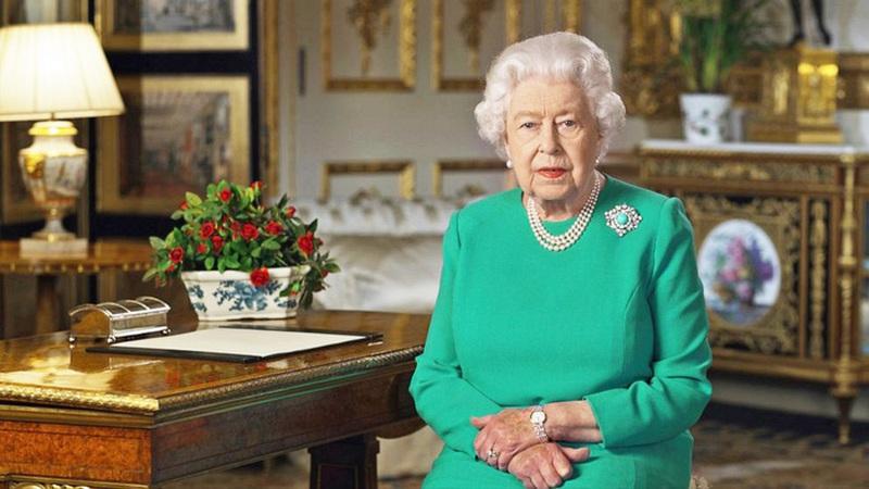 Nữ hoàng Anh Elizabeth II hiệu triệu người dân đối phó COVID-19